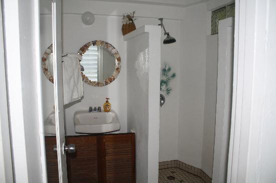 SeaGate Hotel: bathroom