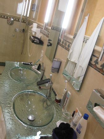 Hotel Weisser Baer: Bad mit Dusche