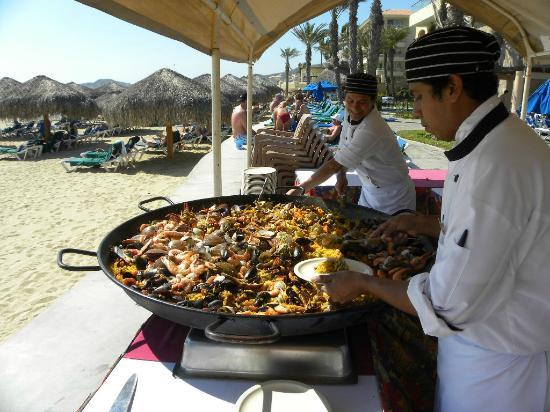 Royal Solaris Los Cabos: Paella for lunch!