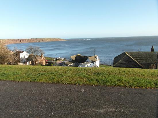 Rutland West Guest House: A wintery view of Filey.