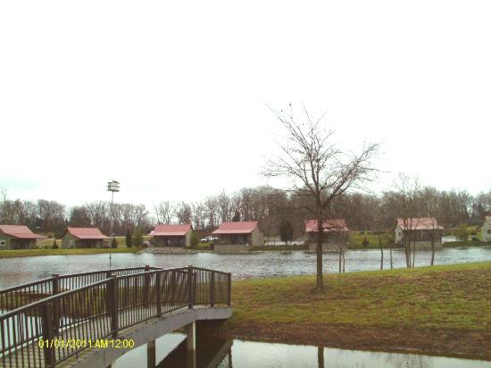Santa's Lakeside Cottages: lake view