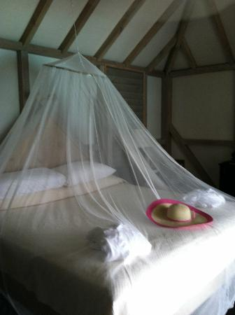 Cocobay Resort: the bed