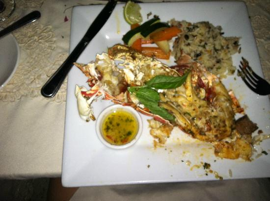 Cocobay Resort: lobster dinner