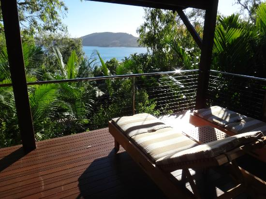 Qualia Resort: Massive decks off the rooms, fab
