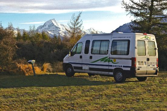 Mount Cook Glentanner Park Centre: Glentanner Powered Campervan Sites