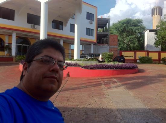 Iguassu Holiday Hotel: Yo frente al Holiday