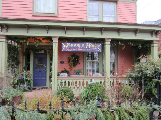 The Schooler House Bed & Breakfast: The Schooler B&B