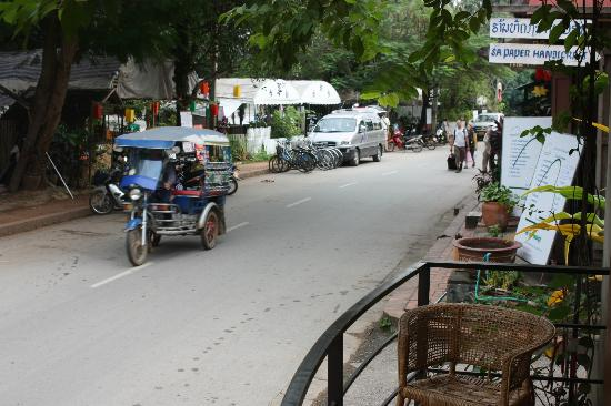 Sala Prabang Hotel: View from room at street level
