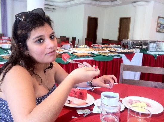 Iguassu Holiday Hotel: Gisse en el desayuno