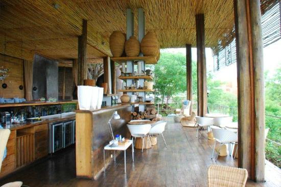 Singita Lebombo Lodge: lobby area