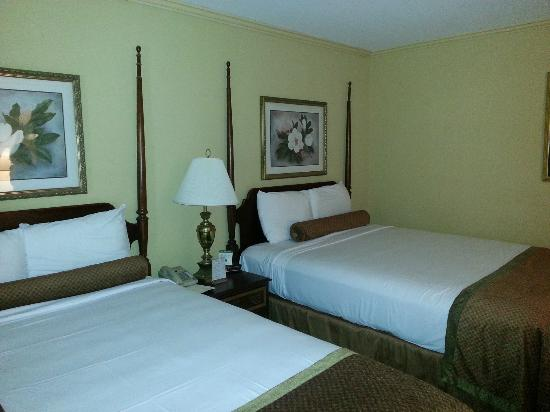Hotel St. Marie: Room with two beds
