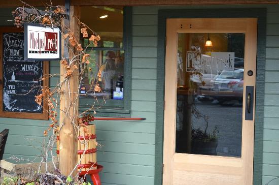 Phelps Creek Vineyards: Phelps Creek Winery