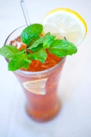 El Centro: iced lemon mint tea