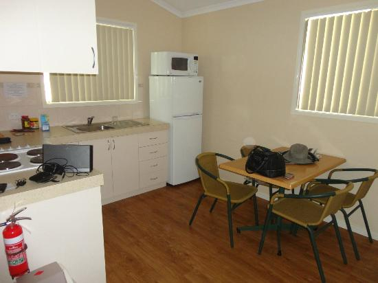 RAC Busselton Holiday Park: Great well appointed kitchen