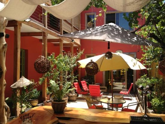 Princesa Insolente Hostel: terrace 