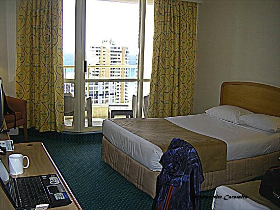 Hotel Grand Chancellor Surfers Paradise: My room 