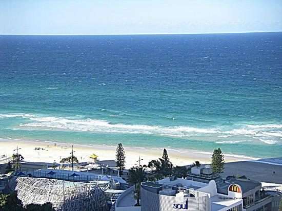 Hotel Grand Chancellor Surfers Paradise: Surfers Beach