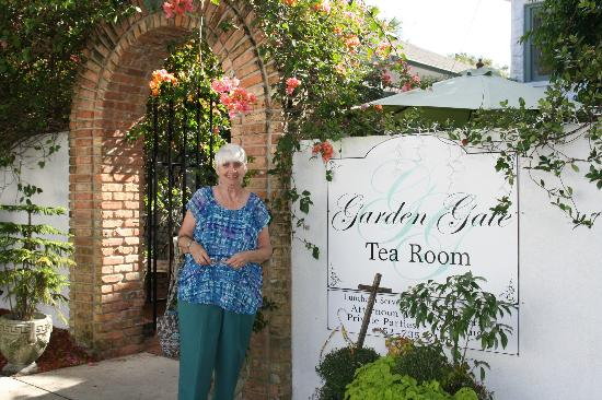 Magnolia Inn B&B: Garden Gate TeaHouse