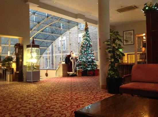 Clayton Hotel Ballsbridge: christmasy
