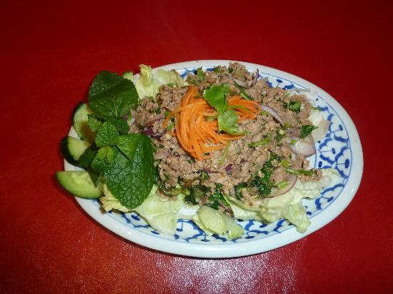 Huong's Vietnamese & Chinese Restaurant: Chicken Larb