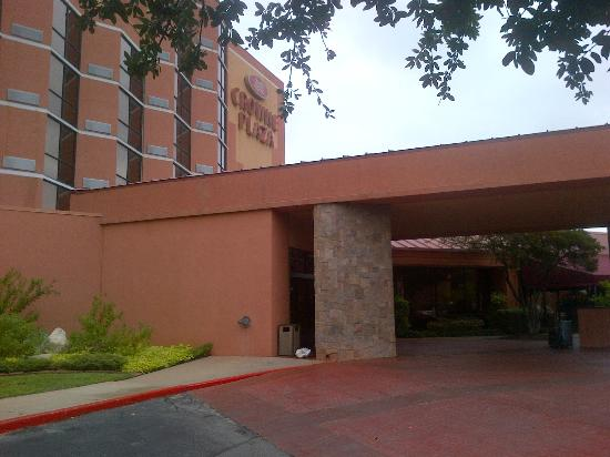 Crowne Plaza Austin: Main entrance
