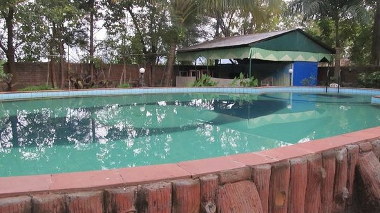 Deshpande Farms: Pool