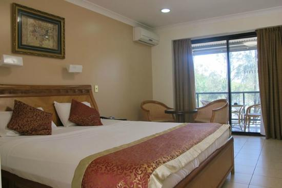 Novena Palms Motel: Spacious Rooms