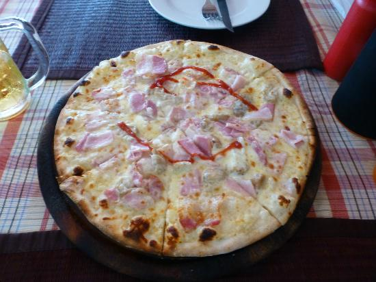 Pizzeria Hut 1 : Pizzaa
