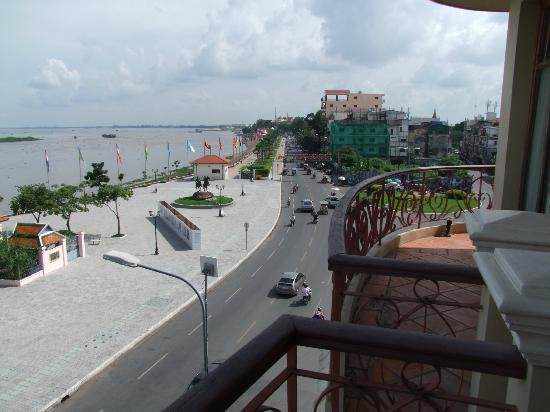 AMANJAYA Pancam Suites Hotel: The view from room 32