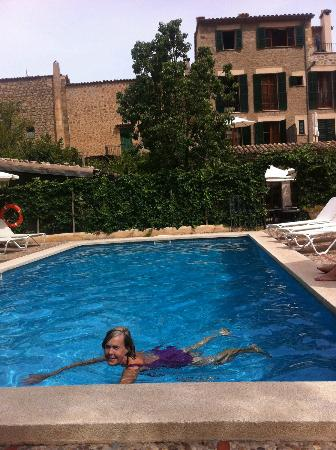 Hotel des Puig: Hotellets pool