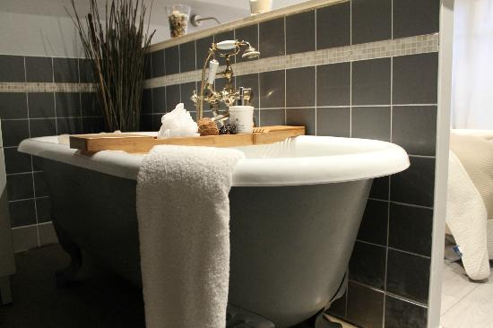 38 Solidor: baignoire en fonte