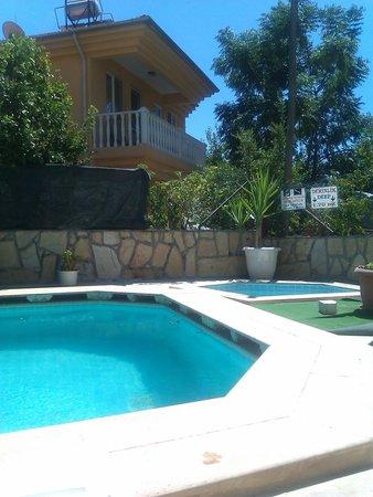 Otel Sevgi:                   relaxing pool area