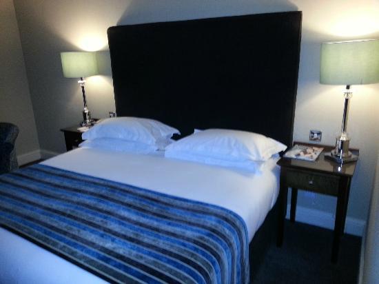 Brooks Hotel: Comfy,warm bedroom