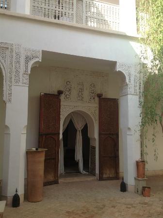 Hotel & Spa Riad Al Jazira : Patios de acceso a las habitaciones
