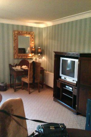 "Killashee  - Hotel Spa Leisure: Old tv in ""suite""."