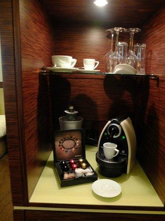 The Ring Hotel: X-Ordinary room кофейный уголок