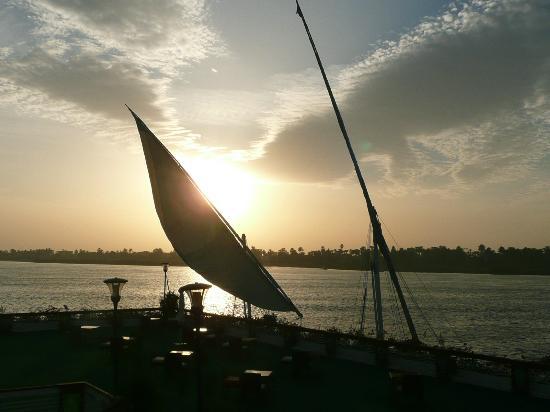 Sonesta St. George Hotel Luxor: Sunset over the Nile