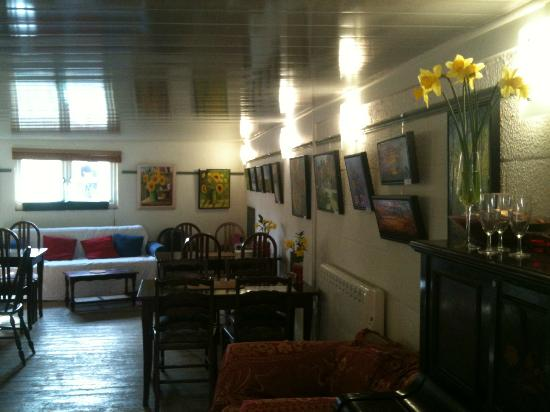 The Lockkeeper's Cafe and Bar: cosy, comfy, warm and welcoming with free wifi