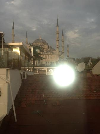 Angel's Home Hotel: View to Sultan Ahmet from the Terrace