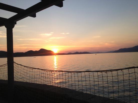Villa Ruza restaurant & lounge bar: Sunset view Villa Ruza