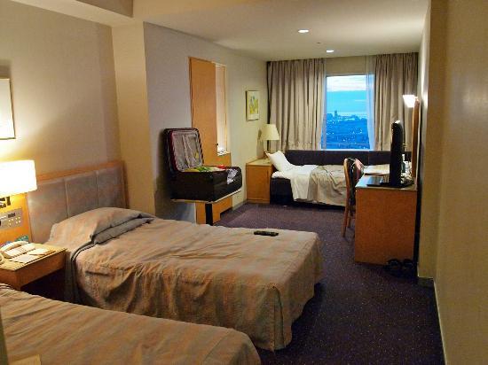 Hotel Osaka Baytower: Spacious room good enough for four