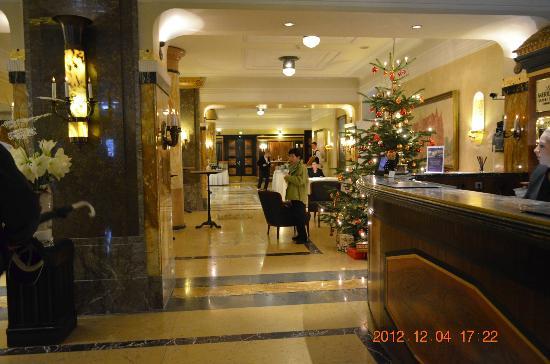 Le Meridien Grand Hotel Nurnberg: ロビー