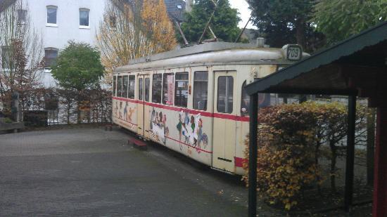 Hotel Stadt Bremen : tramway with Bremen musicians