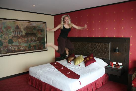 素叻他尼府酒店照片