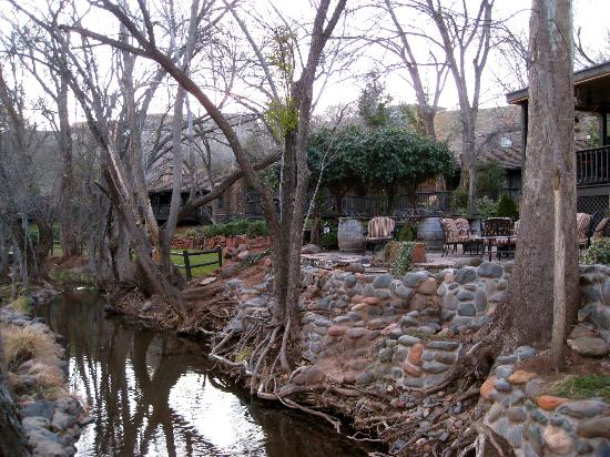 L'Auberge de Sedona: Walk around the impressive place!