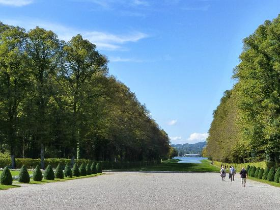 Herreninsel, Allemagne : View from the gardens down to Chiemsee