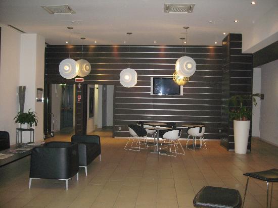 Idea Hotel Milano Bicocca: Reception