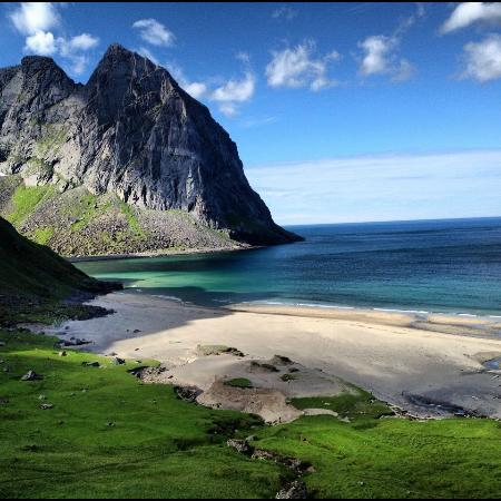 Lofoten Island: After crossing the mountain you'll see this nice beach