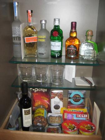 The James Chicago: Half of the wet bar