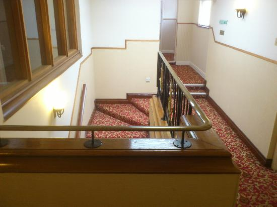 Fort d'Auvergne Hotel: Stairs